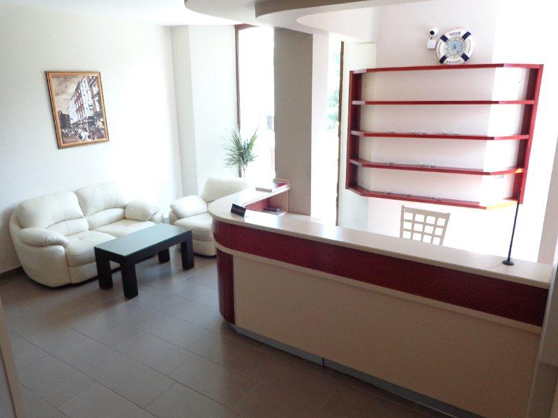 http://hotelpiazza.al/images/gallery/1/DSC00634.JPG